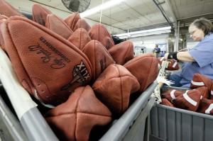 hc-patriots-deflating-footballs-0121-20150120